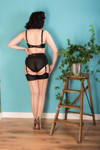Champagne Stockings with Contrast Seams, Point Heels and Thigh Welt