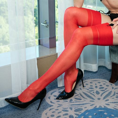 Lindley & Lindley Pure Silk Seamed Stockings with Reinforced Toes in Scarlet